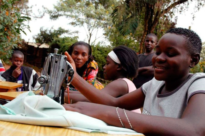 uganda-sewing-lessons